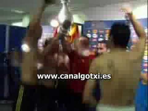 Iker Casillas en calzoncillos celebra la victoria 1