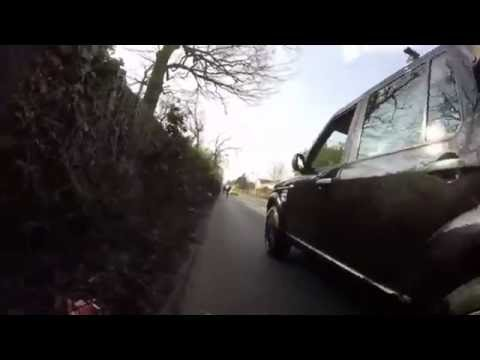 Cyclist Road Rage In London - Land Rover Driver Goes Mental