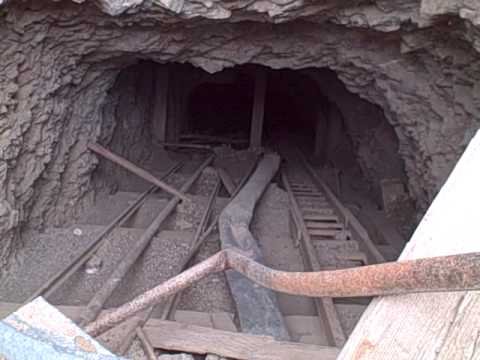 Old Mine Shafts Of Searchlight The J E T Http Www Askjeffwilliams You