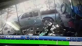 Camera quay được trộm điện thoại mà không thể xem mặt.