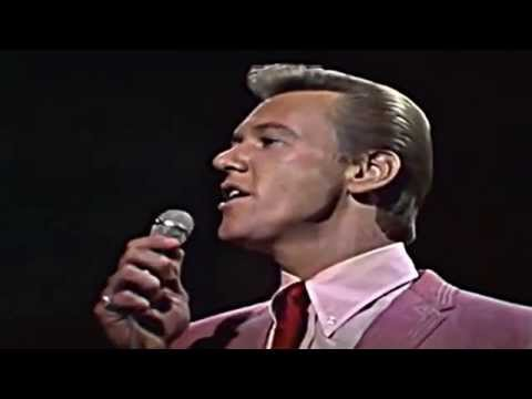 The Righteous Brothers - UNCHAINED MELODY - live [HQ]