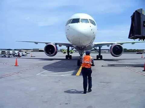 bdl airport