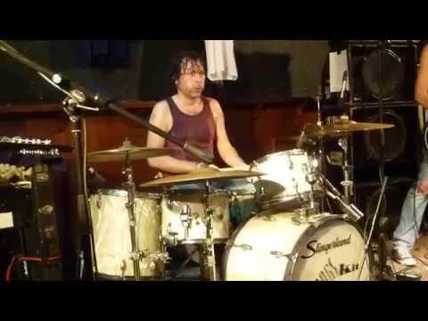 "BINTANGS  "" Cross Eyed Mary Jane"" Incl.""Wet drumming"" Live 21 maart 2015 @ Bluescafe Apeldoorn NL"