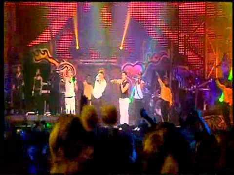 Blue - Too Close (One Love 2002 Tour)