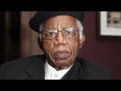 Chinua achebe - No Longer at Ease :   Plot summary