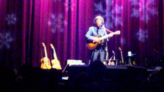 Elvis Costello - Jimmie Standing in the Rain (Chicago 12-20-10)