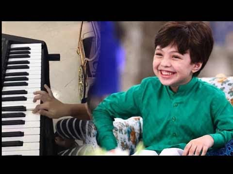 Can't stop listening to this... Dil Dil Pakistan... played by Pehlaaj Hassan