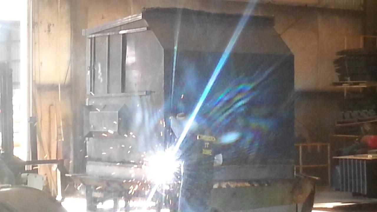 Dumpster Repair Welding New Floor Into 8 Yard Youtube