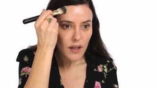 Lisa Eldridge - Make-up Basics: Foundation Tutorial