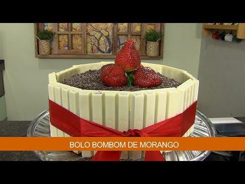 BOLO BOMBOM DE MORANGO