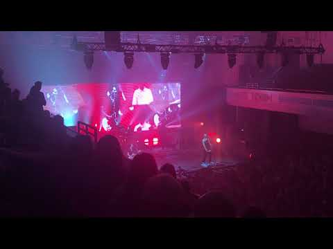 Placebo - Dundee caird hall  08/10/2017 Teenage Angst