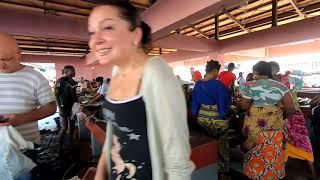 Гвинея Как выжить на берегу океана  ночная жизнь трущобы рестораны пляжи рынки