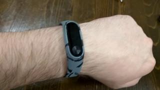 Обзор. Ремешок для фитнес-браслета Xiaomi Mi Band 2 (цвет: серый камуфляж) =GearBest=