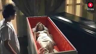 小伙去殡仪馆兼职,无意间打开棺材发现死去的新娘好漂亮呀 thumbnail