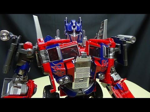 Wei Jiang COMMANDER (KO Oversized Evasion Mode Optimus Prime): EmGo's Transformers Reviews N' Stuff