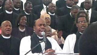Pastor Loearl Flowers Praying an anointed prayer