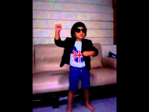 น้องลีวายส์-gangnam style.mp4