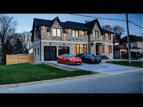 384 Crewenan Rd, Mississauga, ON L5A 1T5
