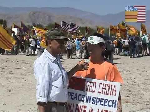 Biểu tình chống Tập Cận Bình tại Rancho Mirage, California, ngày 7 & 8 tháng 6 năm 2013