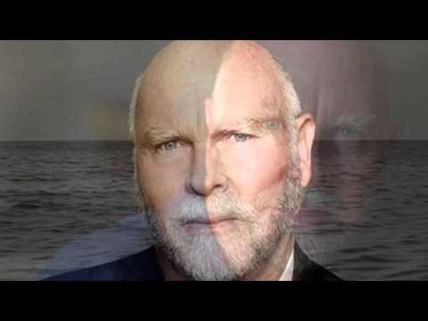 Top 5 Craig Venter Thoughts About Life and Synthetic Biology
