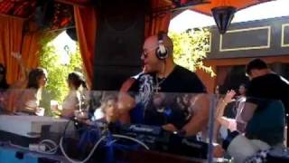 Roger Sanchez Plays Doped again rework at TAO Beach Party (Las Vegas) September 5. 2010.mp4