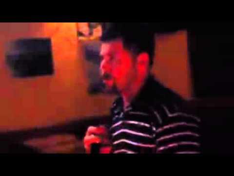 Wilder Alonso en karaoke