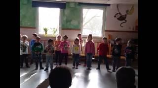 Русские песни в немецком садике. Угадайте кто русский.
