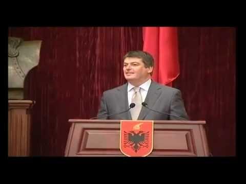 Ceremonia e Dekorimit nga Presidenti i Shqiperise z Bamir Topi