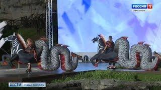 В Херсонесе показали костюмы и декорации к спектаклю «Грифон»