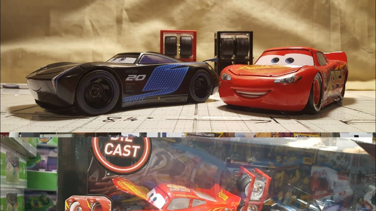 costco cars 3 die cast 1 24 scale lightning mcqueen and jackson storm bundle 30 youtube. Black Bedroom Furniture Sets. Home Design Ideas