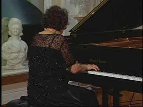 Juana Zayas plays Chopin Grande Valse Brillante