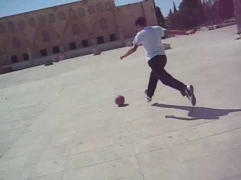 """מוסלמים משחקים כדורגל בהר הבית יא תשרי תשע""""ד"""