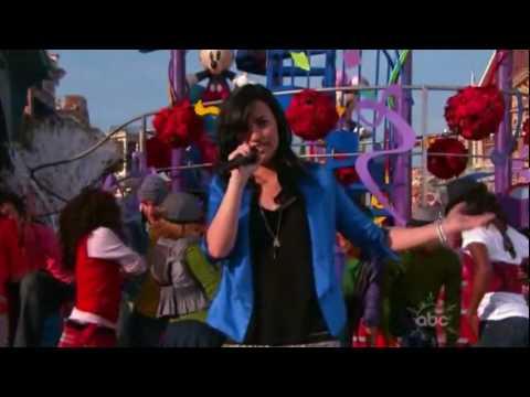 Demi Lovato - Wonderful Christmas Time - Christmas ABC Parade