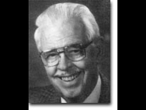 Walt Kavanagh | Hall of Fame 1993 | Nebraska Broadcasters Association