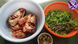 Boiled fish head with tamarind's leaf Khmer food | Khmer village food | Village food factory