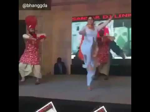 Mere pind de Punjabi bhangra