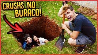 PRENDI OS CRUSHS EM UM BURACO!! - TROLLANDO CRUSHS [ REZENDE EVIL ]