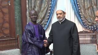 بالفيديو| شيخ الأزهر يلتقي سفير إفريقيا الوسطى