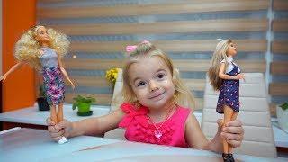 Despachetam 4 papusi Barbie | Anabella Show