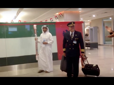 Emirates pilot gets a surprise on his final flight home!