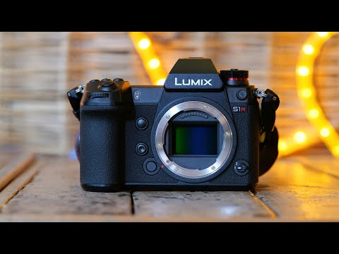 Panasonic S1R Review - High Resolution Beast [ Lumix S1R ]