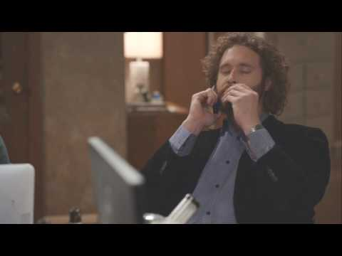 Erlich Bachman gets a call from his future self