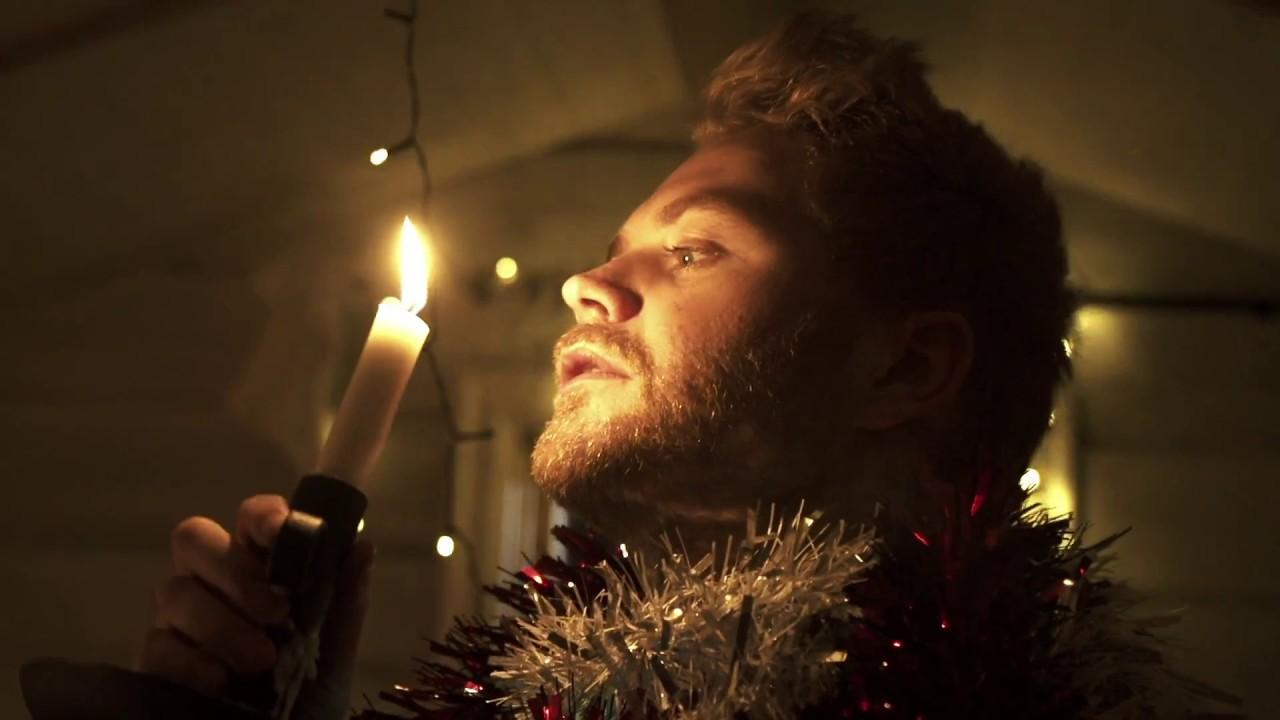 Christian Hjelm - I Mørket Finder Lyset Vej (Officiel video)
