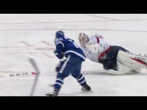 Holtby meets Marner at blue line with risky poke check