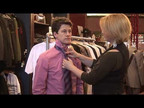 Men's Fashion Tips : How to Tie a Shirt Tie