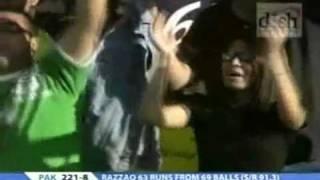 Razzaq hits 5 sixes in two overs in 4th ODI