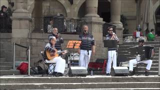 Traditional spanish music in Poble Espanyol