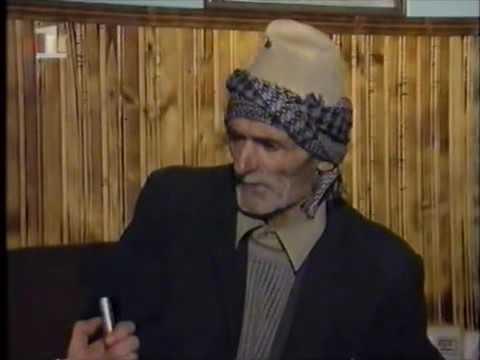 Serbët e detyrojnë plakun të flasë 'ME THIKË NË FYT a nanen e shkavit