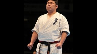 塚越孝行vs長谷川達矢 The 42th All Japan Open Karate Tournament Octo...