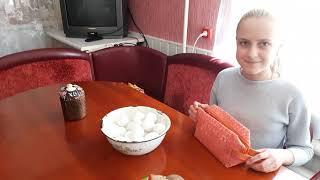 VLOG Готовимся к Пасхе Печем Пасхальный Кулич Делаем картошку по деревенски Красим яйца